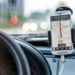 Usare smartphone come navigatore satellitare senza internet